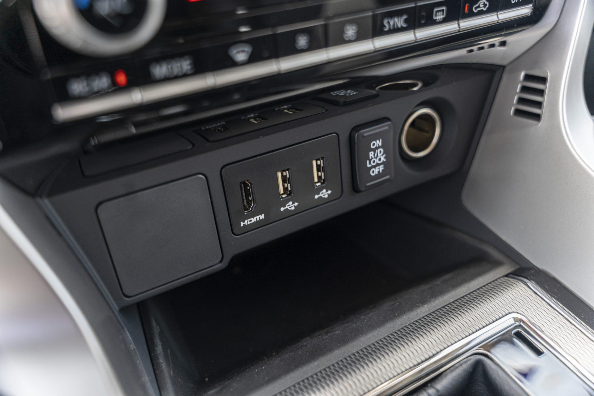 Mitsubishi-Pajero-Sport-2020-67